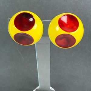 Vintage mod red dot yellow clip statement earrings